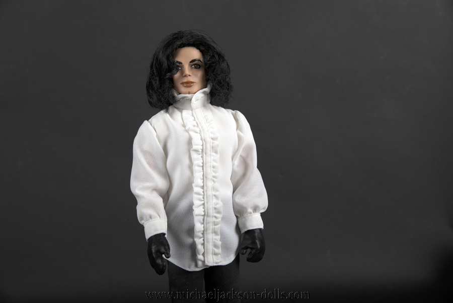 Michael Jackson doll Ghosts close up